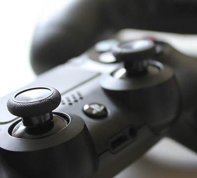 spelkonsoler för äldre barn