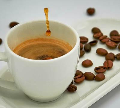 böna till kaffe med espressomaskin